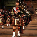 Whiskyresa i Highlands med Military Tattoo